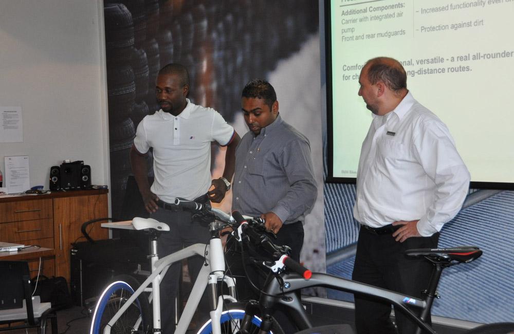 01-bmw-bike-haendler-training-johannesburg-theorie-obu