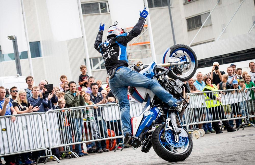 motorrad-show-stunt-mattie-griffin
