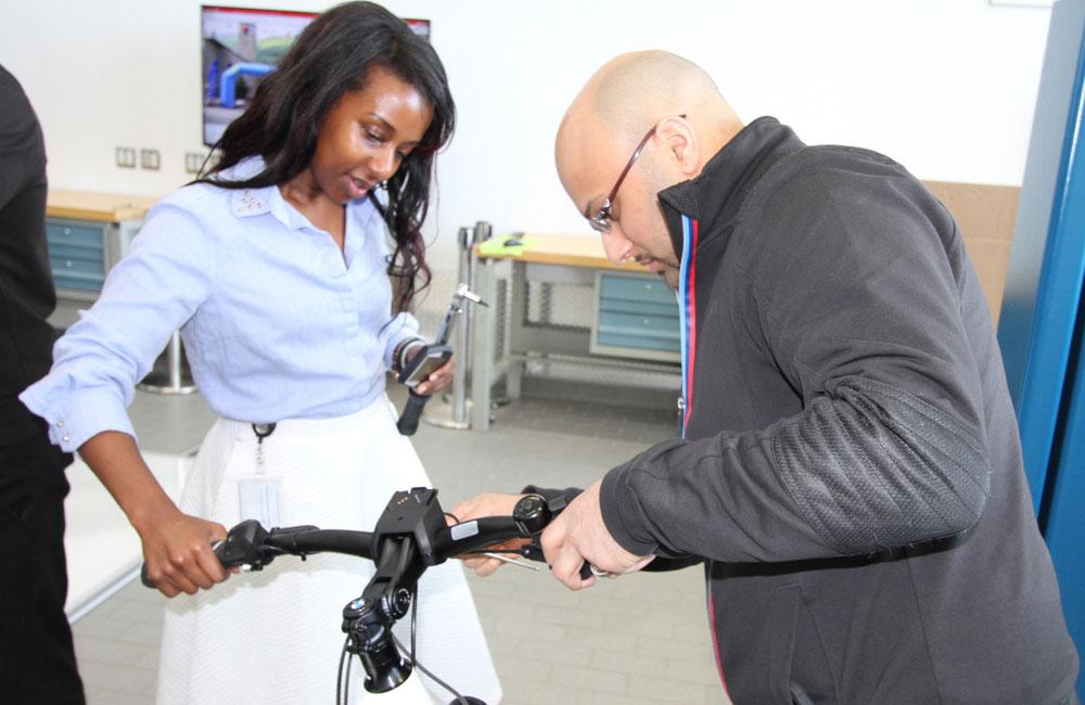 09-bmw-bike-haendler-training-toronto-praxis-obu