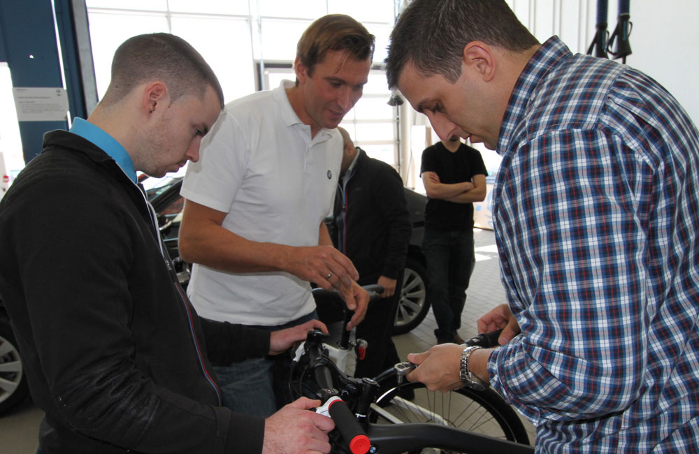 11-bmw-bike-haendler-training-toronto-praxis-obu