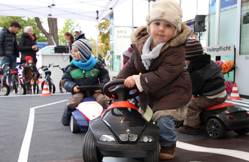 12-kids-parcours-lenbachplatz-kind-baby-racer-obu