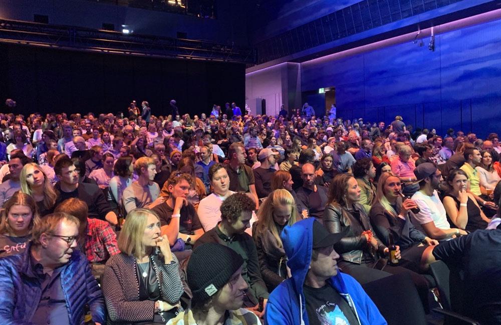 11-winteropening-publikum-auditorium-zuschauer-bmw-welt-obu