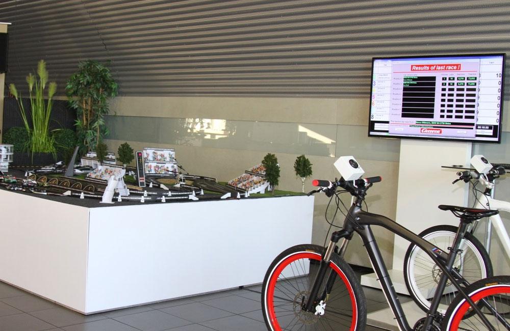 01-bike-carrerabahn-setup-fahrrad-bildschirm-rennbahn-obu