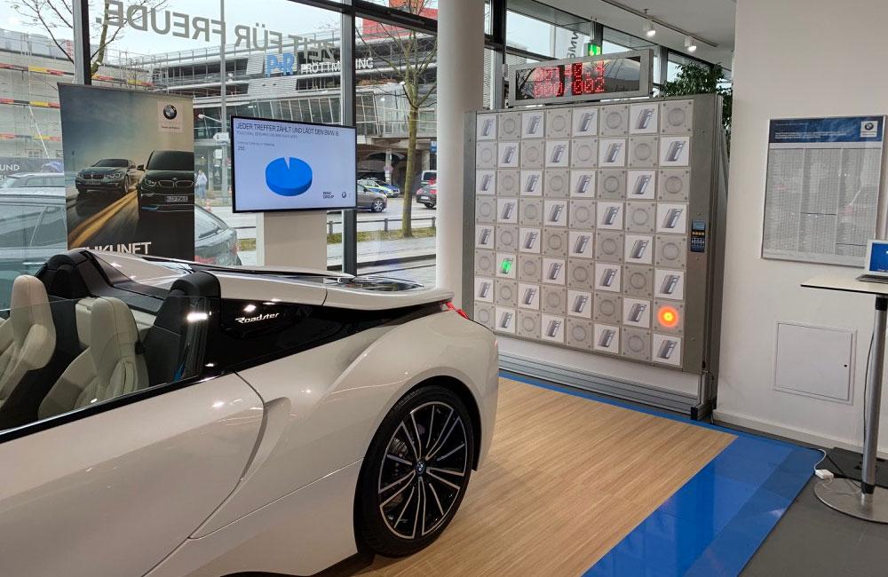 setup-touch-wall-bildschirm-und-bmw-cabrio