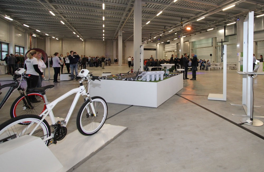 04-bike-carrerabahn-halle-eventflaeche-fahrrad-setup-obu