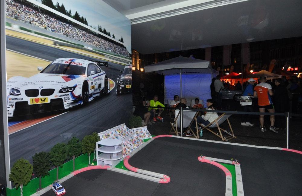 09-BMW-laufsport-carrerabahn-setup-hintergrund-obu