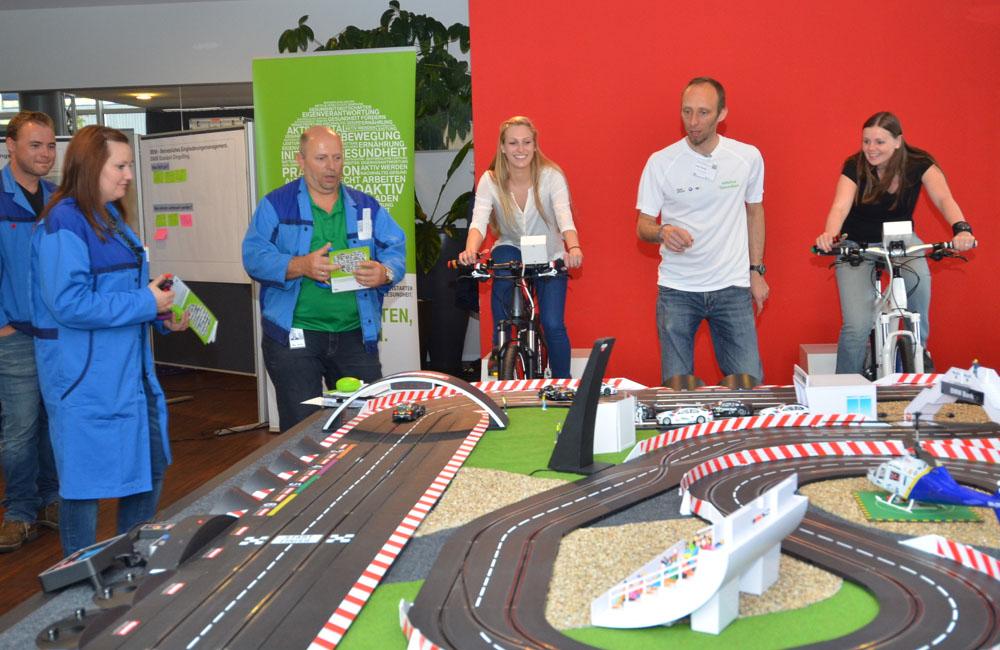 14-bike-carrerabahn-rennbahn-autorennen-fahrrad-obu