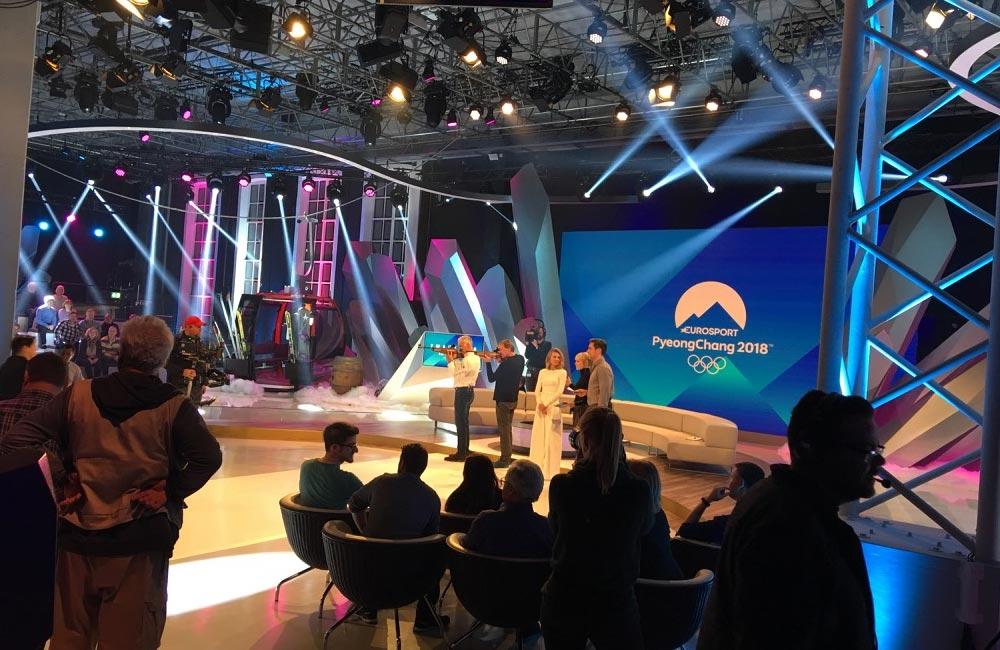 biathlon-schiessen-im-fernseh-studio-mit-zuschauern
