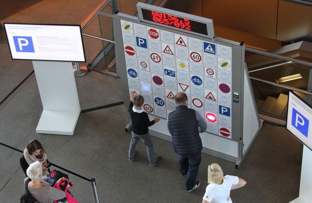 15-touch-wall-twall-reaktioswand-spieler-bildschirm-aktivierung-obu