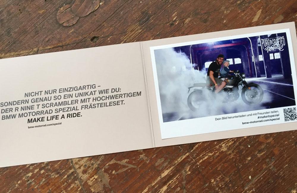 klappkarte-mit-fotoausdruck-mit-vater-und-sohn-auf-motorrad