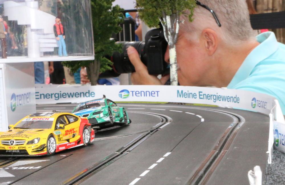 11-tennet-technikmeile-nuernberg-fahrradangetriebene-carrerabahn-crash-obu